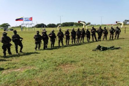 Militares-Cuba-Venezuela-Avispas-Negras-696x464